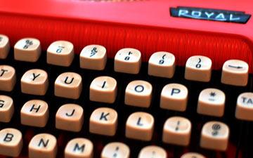http://8.mshcdn.com/wp-content/uploads/2011/04/typewriter.jpg