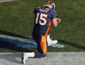 Tim Tebow Pass Lands in Twitter's Record Book