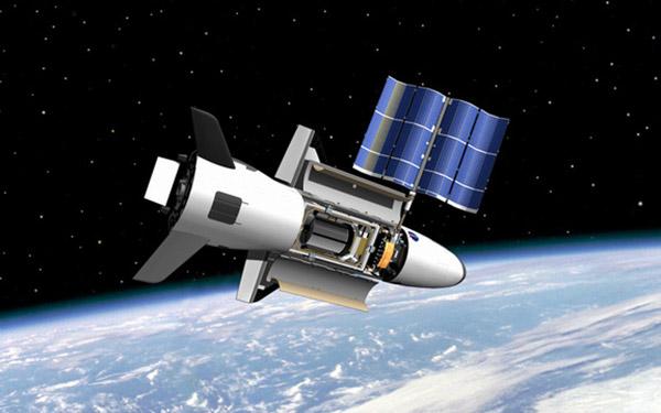 飛行15月 美神秘太空機回航 - 纽约文摘 - 纽约文摘