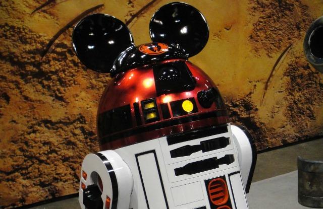 Disney achète Lucasfilm - Page 2 Star-wars-mickey-6401
