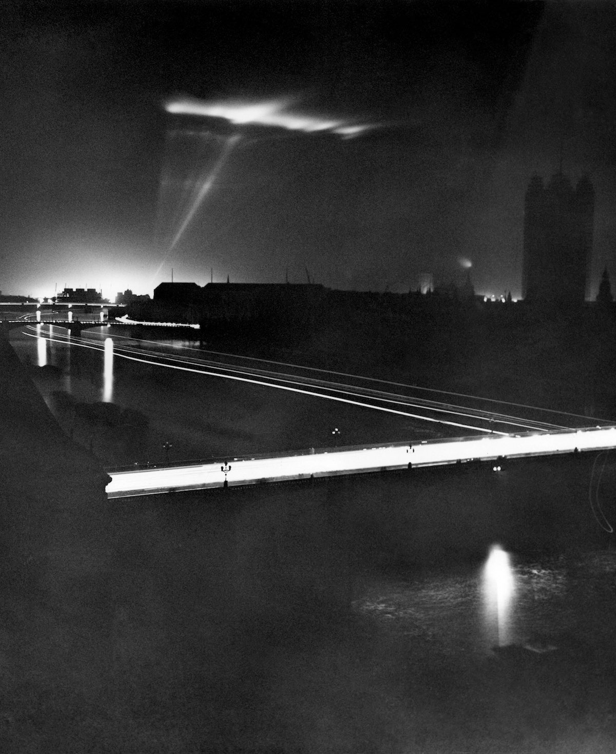 Blackout curtains ww2 - Retronaut Wwii Blackout In London During The Blitz 1939 1942