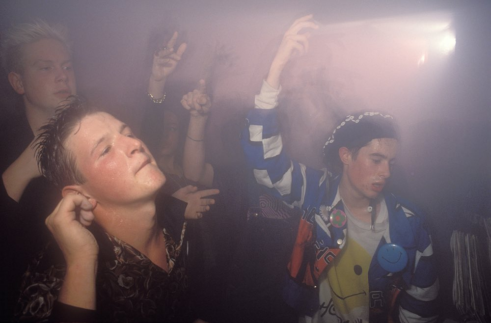 Raving to the sounds of acid through the early 39 90s for Early 90s house