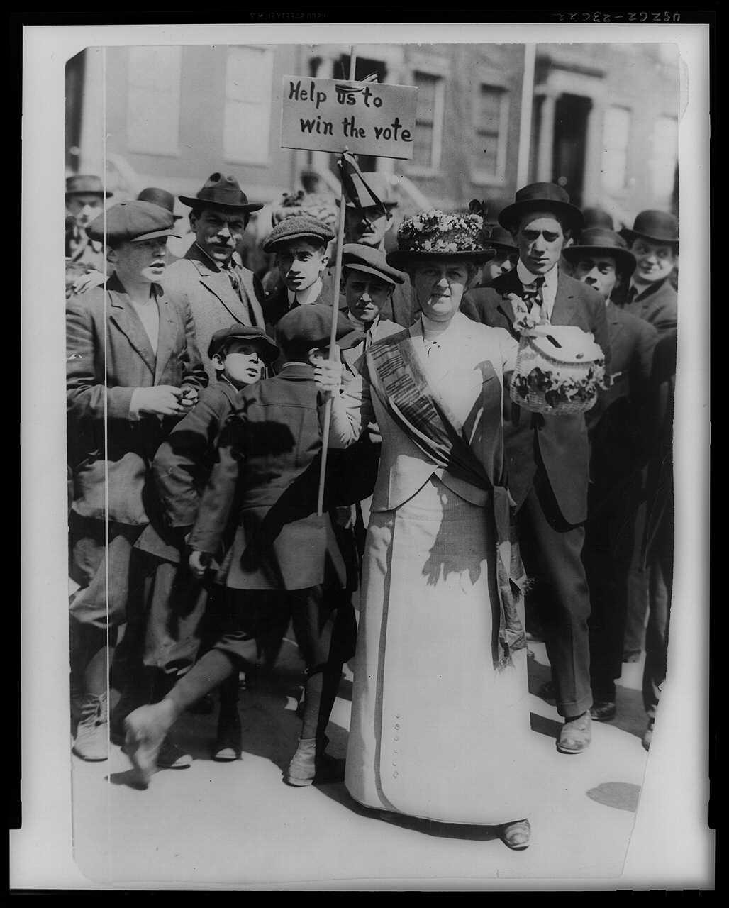 http://mashable.com/2015/01/10/womens-suffrage-19th-amendment/