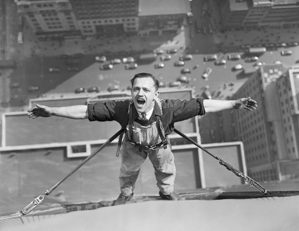 Empire State Building Daredevil Photos Will Give You Vertigo
