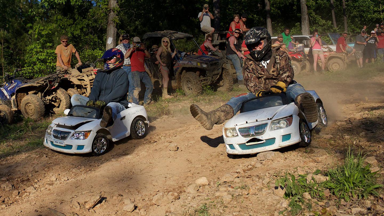 Extreme barbie jeep racing #3