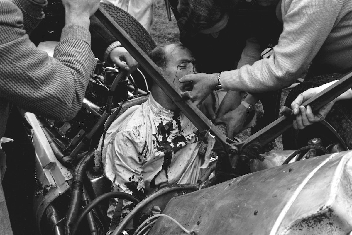 This Easter 1962 Car Race Included Ferraris And Bloodshed