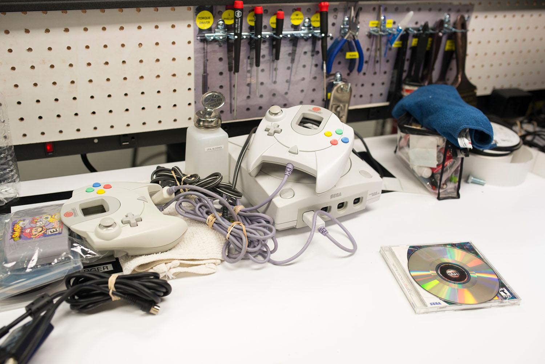 [Image: GameStop-Retro-Consoles-05.jpg]