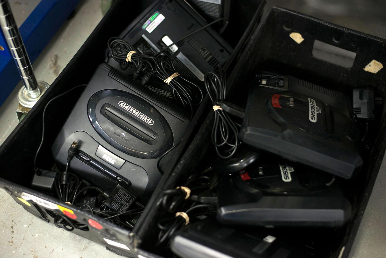 [Image: GameStop-Retro-Consoles-15.jpg]