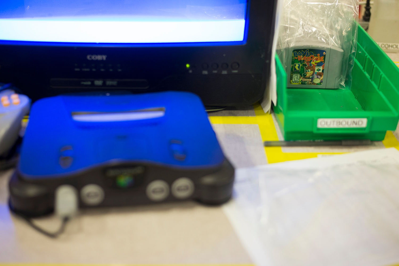 [Image: GameStop-Retro-Consoles-26.jpg]