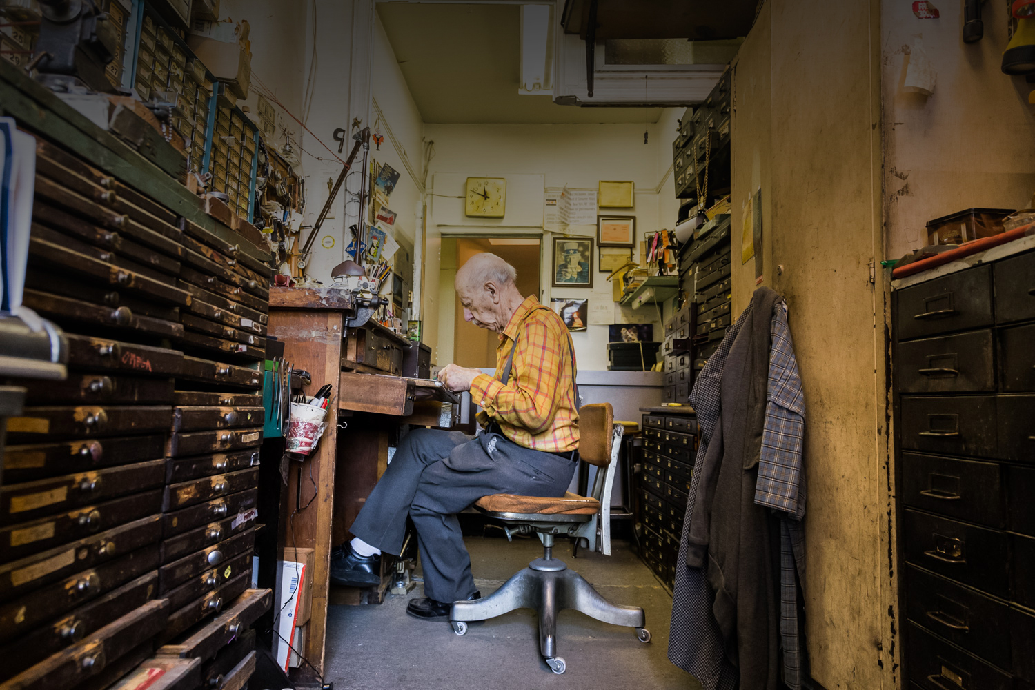 Where time stands still: Inside an 89-year-old watch repairman's NYC shop...