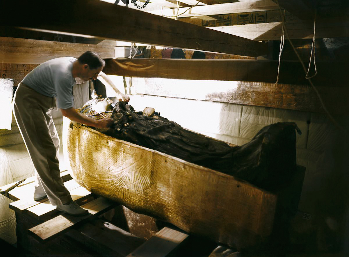 King Tut Tomb Discovery: 1922: The Discovery Of Tutankhamun's Tomb