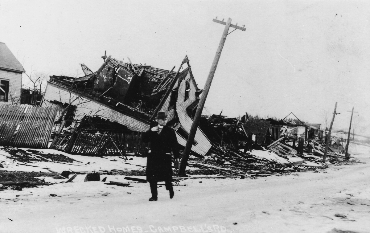 the halifax explosion of 1917 essay In the days after the december 6, 1917 explosion that devastated halifax, the city was in chaos as residents struggled to cope, the world struggled to understand what had happened.