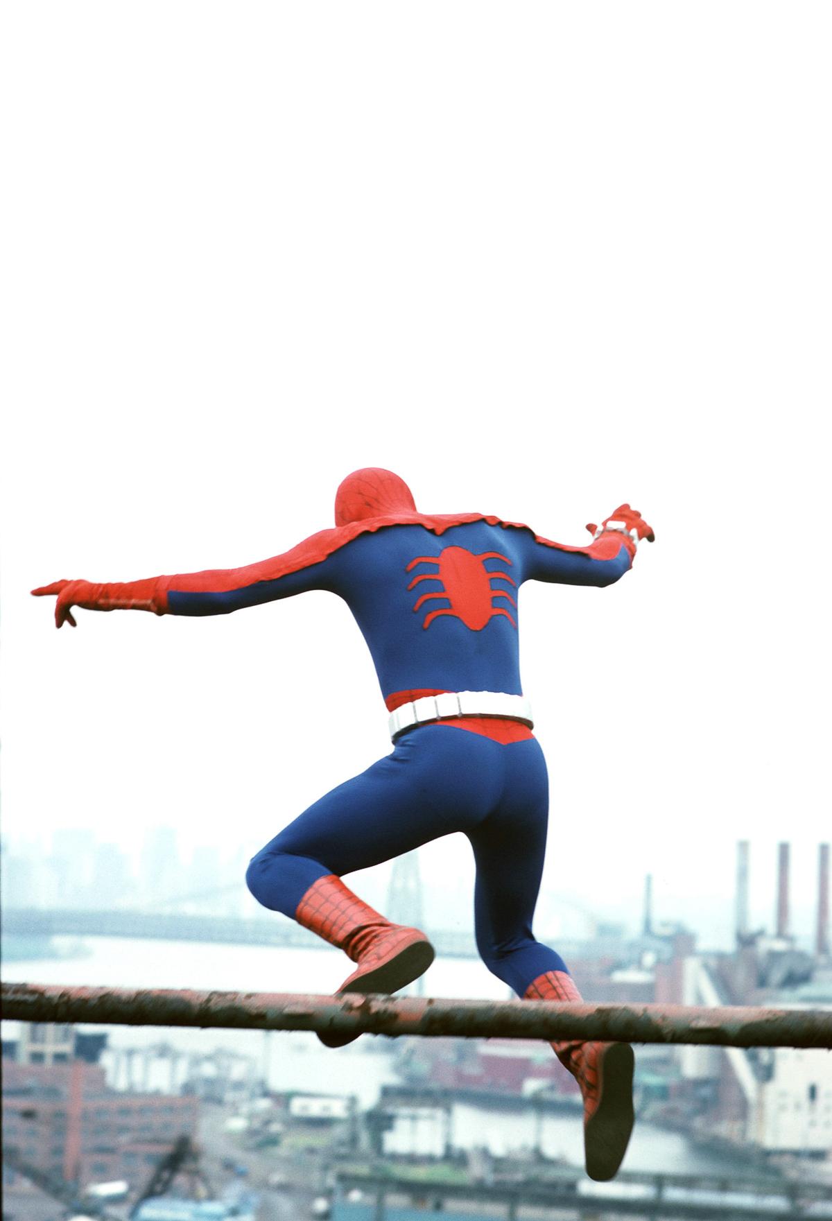 Man Youtube Makeup Gurus: No CGI, But The 1970s Spider-Man TV Show Had Spunk